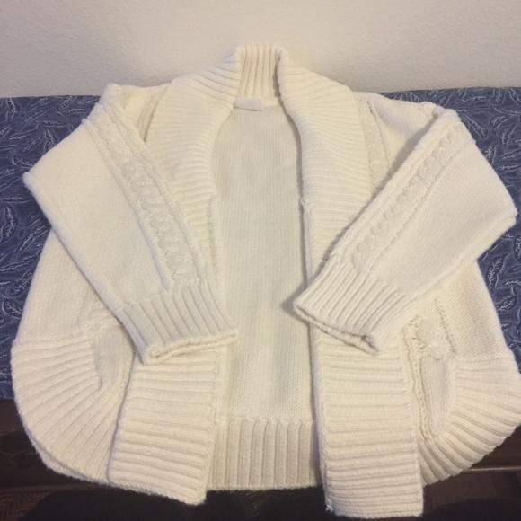 LIKE NEW ——>GAP Cream Sweater<———